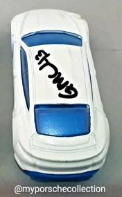 Hot-Wheels-Porsche-Taycan-Turbo-S-003
