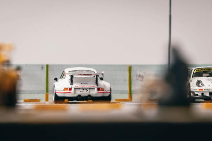 Tarmac-Works-Porsche-RWB-Backdate-001