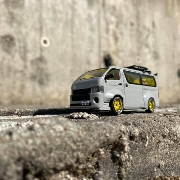 Tarmac-Works-Toyota-HiAce-Widebody-003