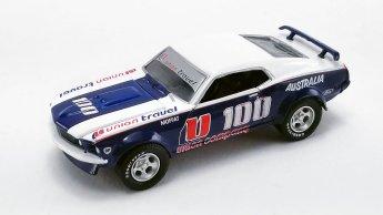 Acme-Allan-Moffat-1970-Ford-F-350-Ramp-Truck-1969-Ford-Trans-Am-Mustang-003