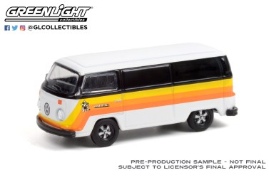 GreenLight-Collectibles-Club-Vee-Dub-Series-13-1976-Volkswagen-Type-2-Armor-All