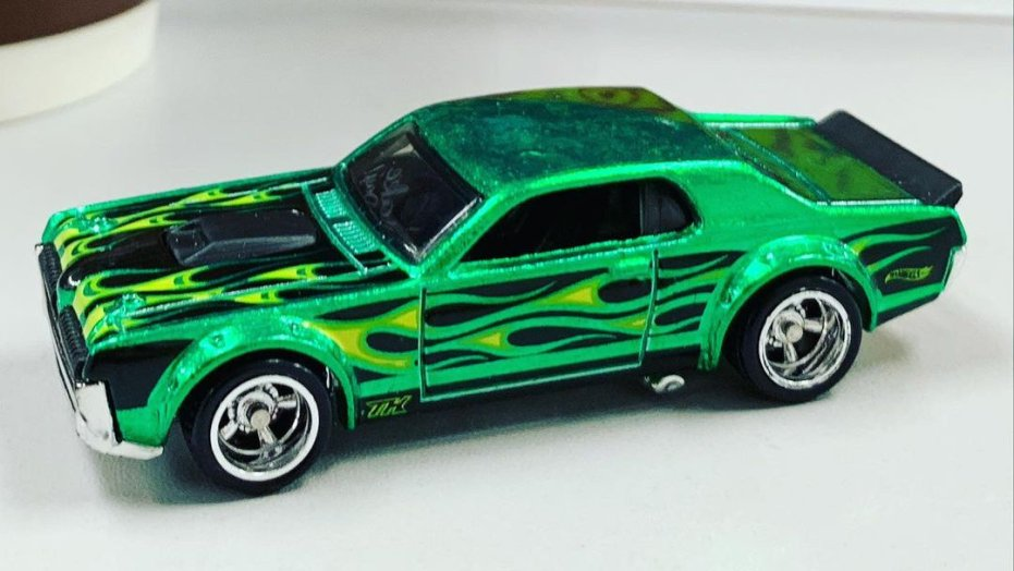 Hot-Wheels-Mainline-Super-Treasure-Hunt-2021-68-Mercury-Cougar-003