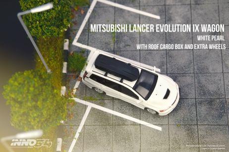 Inno64-Mitsubishi-Lancer-Evolution-IX-Wagon-White-Pearl-003
