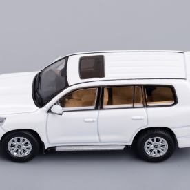 Hobby-Japan-Minicar-Project-Toyota-Land-Cruiser-200-blanc-004