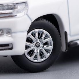 Hobby-Japan-Minicar-Project-Toyota-Land-Cruiser-200-blanc-016