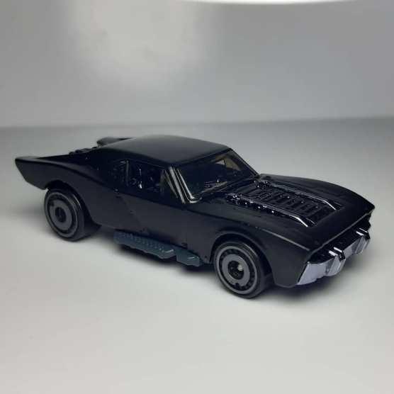 Hot-Wheels-2021-Batmobile-001