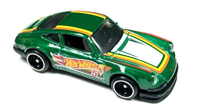 Hot-Wheels-Mail-in-2021-71-Porsche-911-001