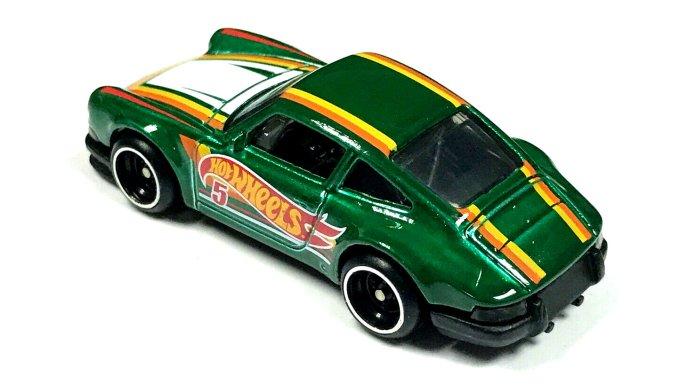 Hot-Wheels-Mail-in-2021-71-Porsche-911-002