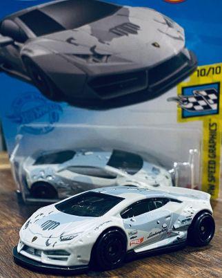 Hot-Wheels-Mainline-2021-Lamborghini-Huracan-Liberty-Walk-Mad-Mike-Whiddett-003