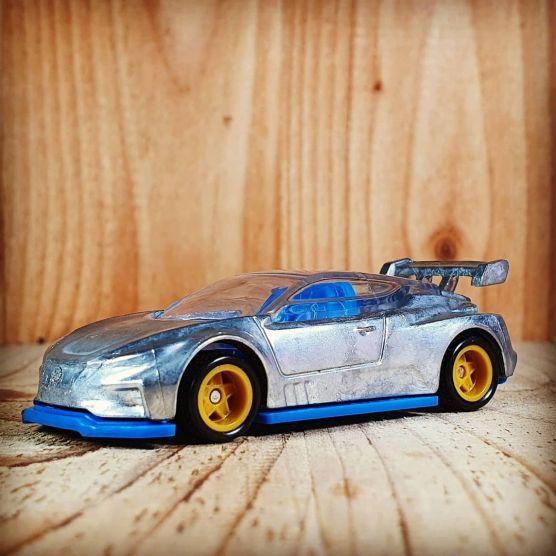 Hot-Wheels-Nissan-Leaf-Nismo-RC-02-001