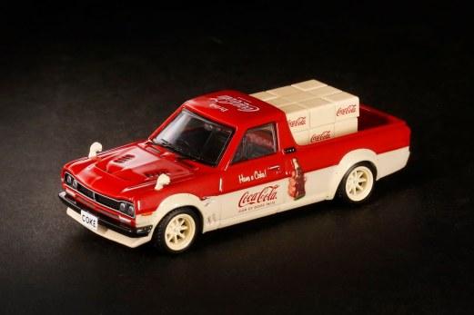 Inno64-x-ToyEast-Nissan-Sunny-Hakotora-Coca-Cola-Pickup-Truck-001