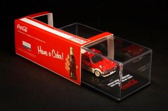Inno64-x-ToyEast-Nissan-Sunny-Hakotora-Coca-Cola-Pickup-Truck-003