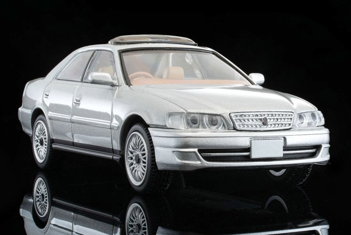 Tomica-Limited-Vintage-Neo-Toyota-Chaser-Avante-G-Argent-002