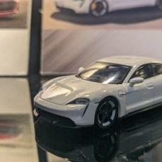 Hong-Kong-Mega-Showcase-2021-Mini-GT-006