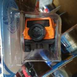 Hot-Wheels-2021-Orange-Ford-Bronco-004