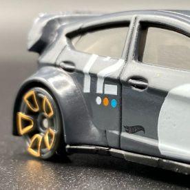 Hot-Wheels-2021-Speed-Blur-5-Pack-12-Ford-Fiesta-001