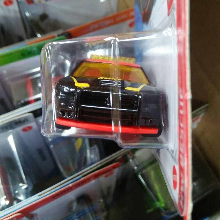 Hot-Wheels-Mainline-2021-Dodge-Charger-Drift-003