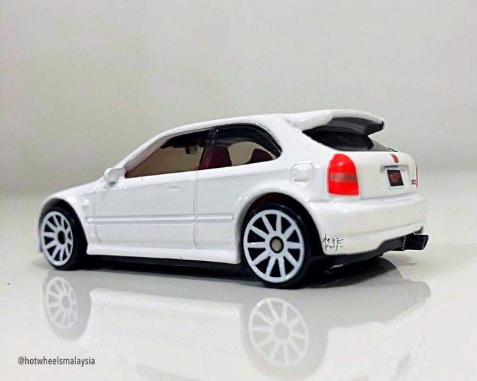 Hot-Wheels-Mainline-2021-Honda-Civic-Type-R-EK9-002