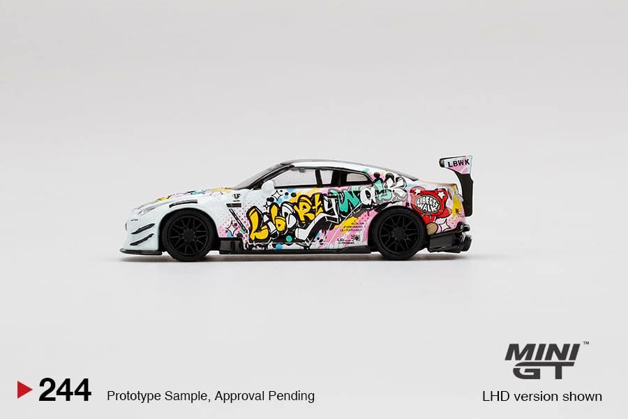 Mini-GT-LB-Works-Nissan-GT-R-R35-Type-2-Rear-Wing-ver-3-LBWK-Kuma-Graffiti-002