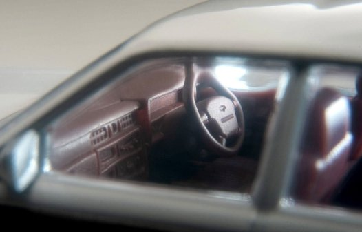 Tomica-Limited-Vintage-Neo-Nissan-Gloria-Wagon-GL-blanc-006