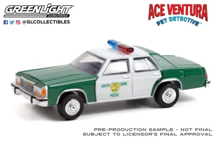 GreenLight-Collectibles-Hollywood-33-1983-Ford-LTD-Crown-Victoria