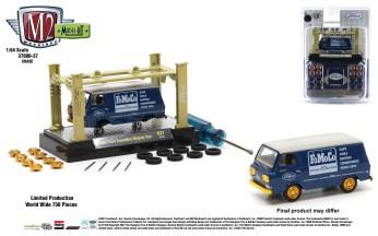M2-Machines-Model-Kit-Release-37-1965-Ford-Econoline-Display-Van-Chase