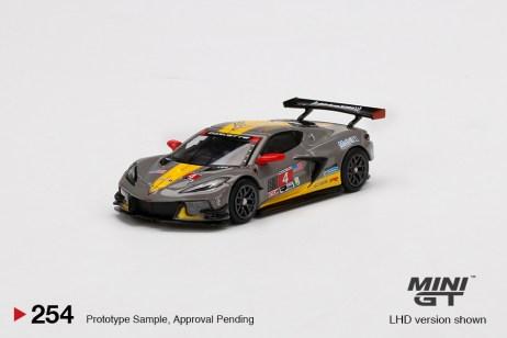 Mini-GT-Chevrolet-Corvette-C8R-4-2020-IMSA-24-Hrs-Daytona-001