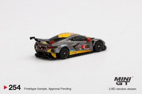 Mini-GT-Chevrolet-Corvette-C8R-4-2020-IMSA-24-Hrs-Daytona-002