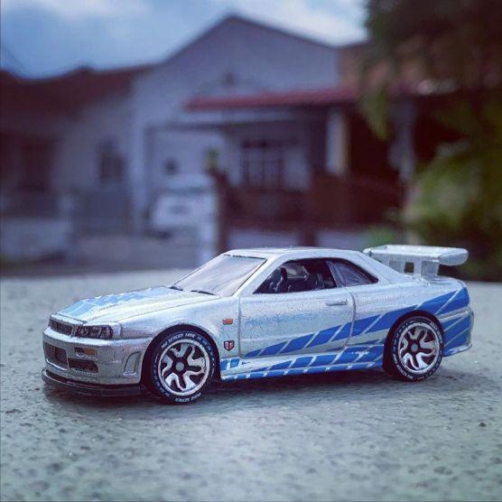 Nissan-Skyline-GT-R-R34-2-Fast-2-Furious-001