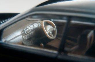Tomica-Limited-Vintage-Neo-Nissan-Laurel-Medalist-Club-S-004