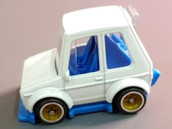 Hot-Wheels-Tooned-VW-Golf-Mk1-002