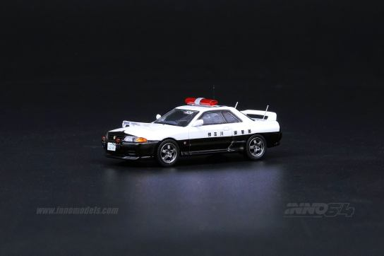 Inno64-Nissan-Skyline-GT-R-R32-Japanese-Police-car-002