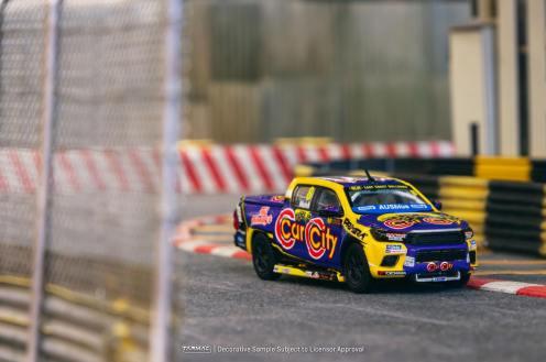 Tarmac-Works-Toyota-Hilux-Ben-Walsh-Racing-001
