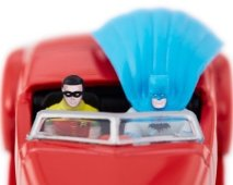Hot-Wheels-Batmobile-Comic-Con-2021-008