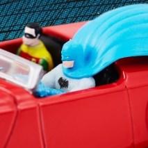 Hot-Wheels-Batmobile-Comic-Con-2021-010
