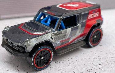 Hot-Wheels-ID-Ford-Bronco-R-Baja-Racer-001