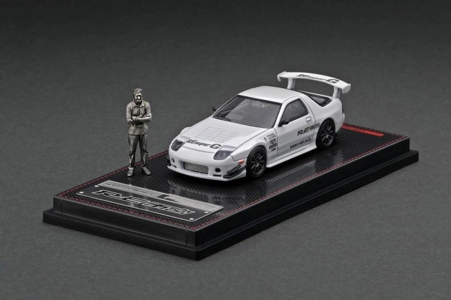 Ignition-Model-Mazda-RX-7-FC3S-RE-Amemiya-White-With-Mr-Amemiya-001