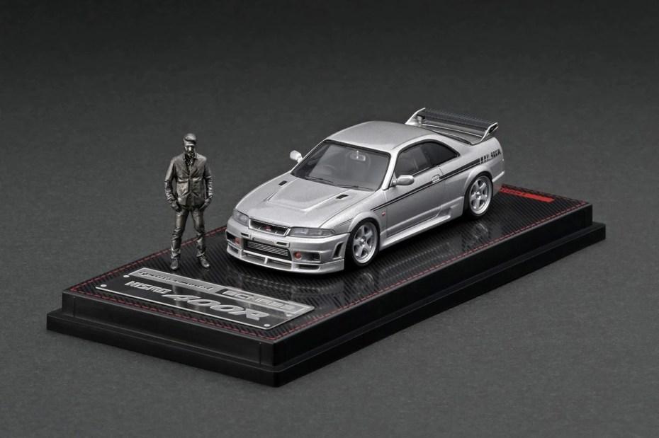 Ignition-Model-Nismo-R33-GT-R-400R-Silver-With-Mr-Matsuda-001