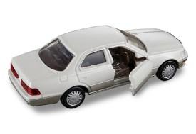 Tomica-Premium-Toyota-Celsior-008
