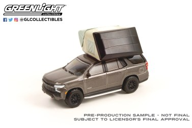 GreenLight-Collectibles-The-Great-Outdoors-Series-1-2021-Chevrolet-Tahoe-Z71