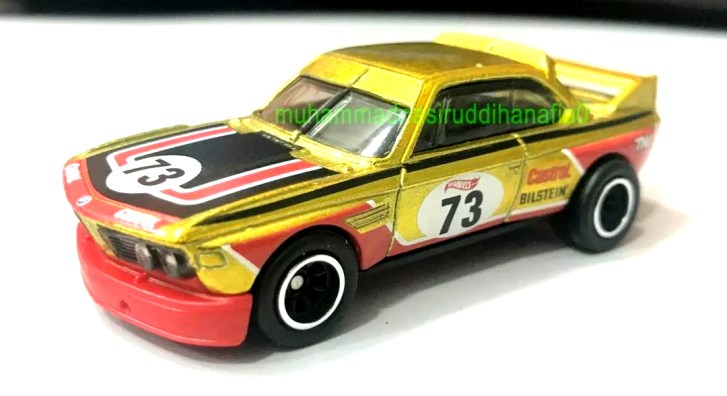 Hot-Wheels-2022-Super-Treasure-Hunt-BMW-3-CSL-Race-Car-005