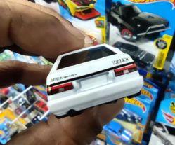 Hot-Wheels-2022-Toyota-AE86-Sprinter-Trueno-004
