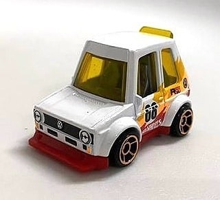 Hot-Wheels-Mainline-2022-Tooned-Volkswagen-Golf-Mk1-004