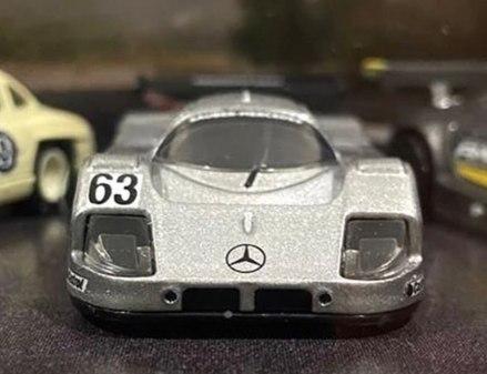 Hot-Wheels-Mercedes-Benz-Diorama-Set-005