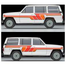 Tomica-Limited-Vintage-Neo-Nissan-Safari-Patrol-Extra-Van-DX-Argent-005