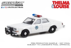 GreenLight-Collectibles-Hollywood-Special-Edition-Thelma-et-Louise-1982-Plymouth-Gran-Fury