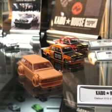 Hong-Kong-Toycar-Salon-Mini-GT-004
