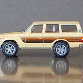 Hot-Wheels-Car-Culture-Toyota-Toyota-Landcruiser-FJ60-008