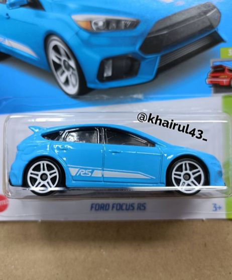 Hot-Wheels-Mainline-2022-Ford-Focus-RS-002
