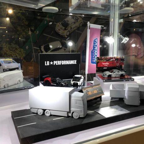 Tarmac-Works-Hong-Kong-Toycar-Salon-LBWK-ER34-Super-Silhouette